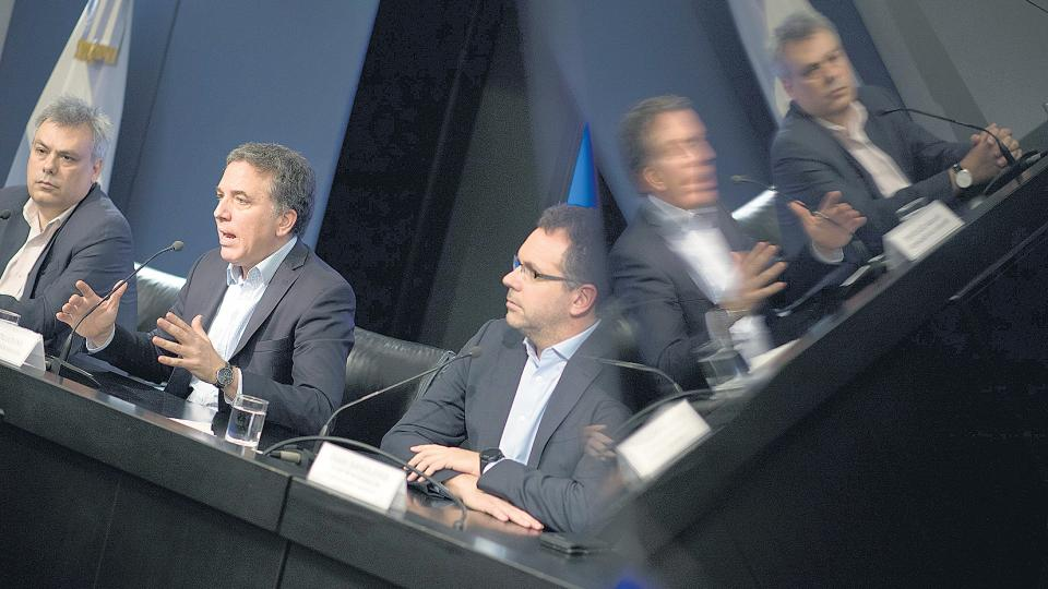 """Nicolás Dujovne se presentó en conferencia de prensa y aseguró que el FMI """"ha aprendido de las lecciones del pasado""""."""