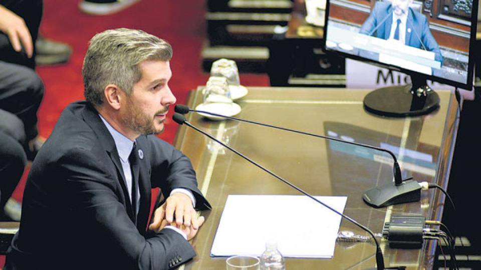 Marcos Peña asistió a Diputados mientras comienzan a sentirse las consecuencias de la crisis cambiaria.