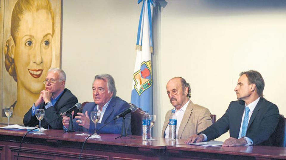 Ante una presentación de Acuña, hombre de Barrionuevo, Servini puso al gastronómico como interventor.