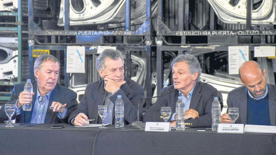 El gobernador Juan Schiaretti y el presidente Mauricio Macri en el acto que compartieron en Córdoba.
