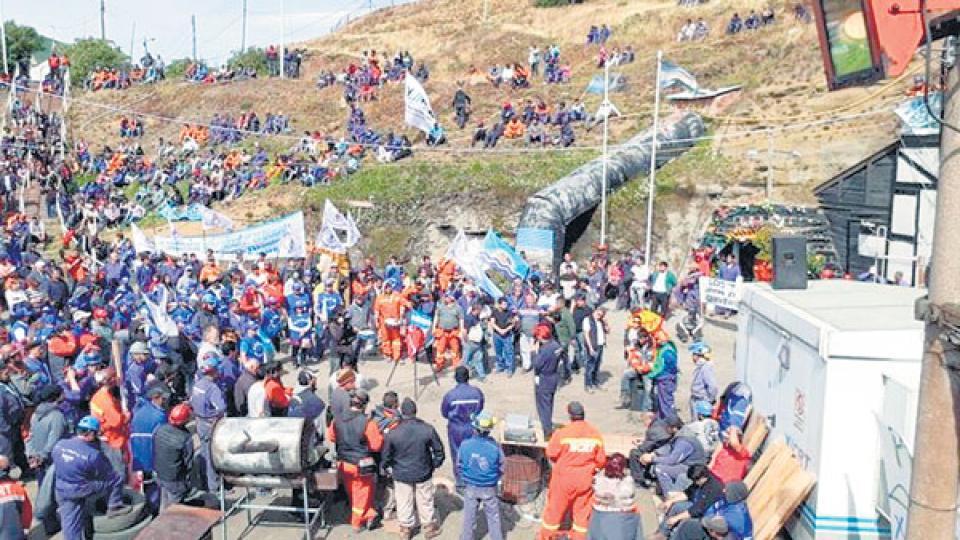 Los trabajadores de Río Turbio mantuvieron las medidas de fuerza hasta que lograron el objetivo buscado.