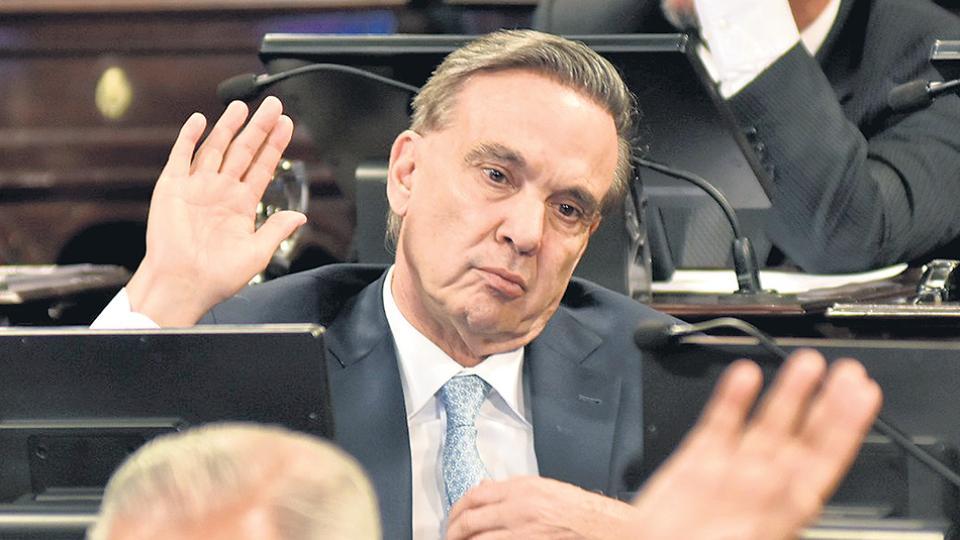 El senador Miguel Angel Pichetto abrió una impasse para que el Gobierno presente un proyecto alternativo.