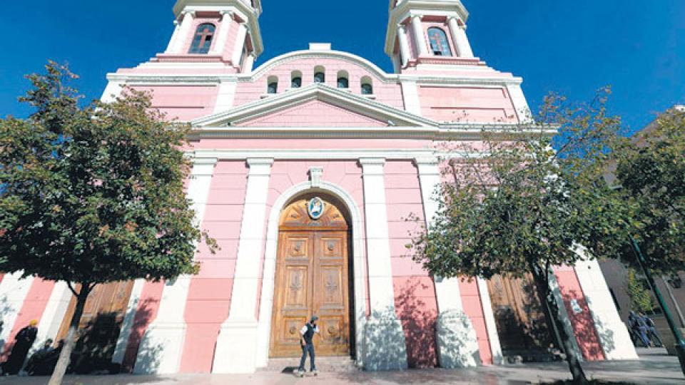 La catedral de Rancagua, en el ojo de la tormenta.