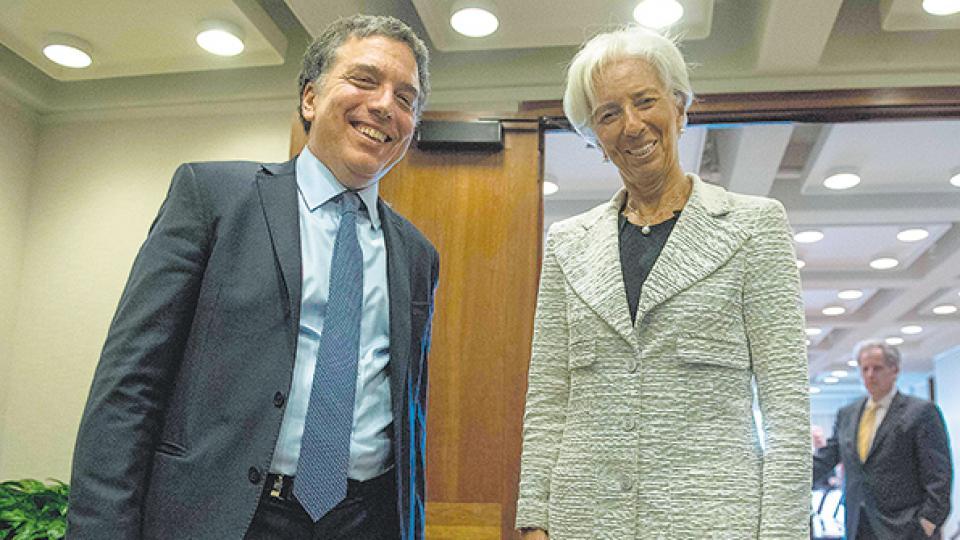 El ministro de Hacienda y Finanzas, Nicolás Dujovne, con la directora gerente del FMI, Christine Lagarde.