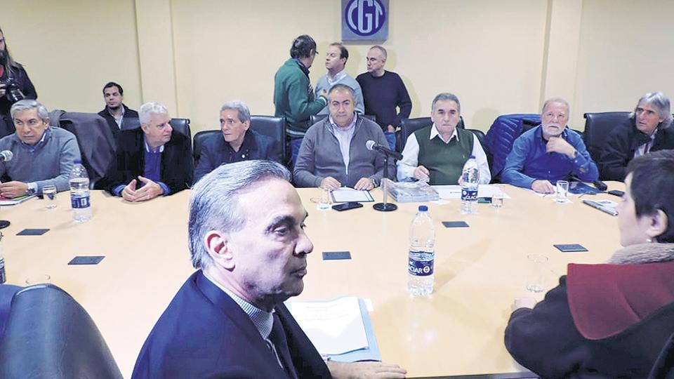 La conducción de la CGT recibió a los senadores que integran el interbloque Argentina Federal que conduce Miguel Pichetto.