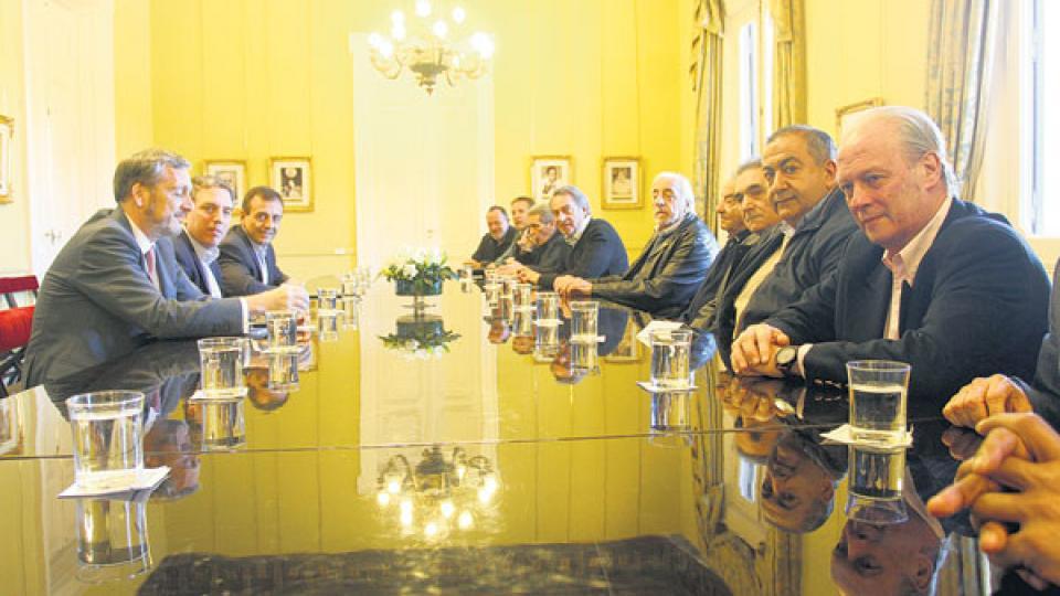 La mesa chica de la CGT reunida con el ministro de Hacienda, Nicolás Dujovne.