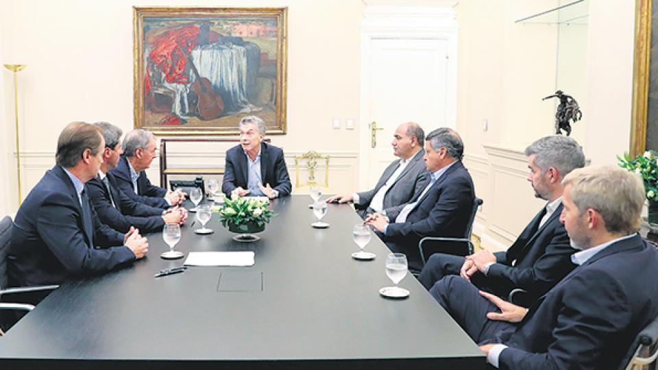 Los gobernadores en el último encuentro que mantuvieron con Macri.