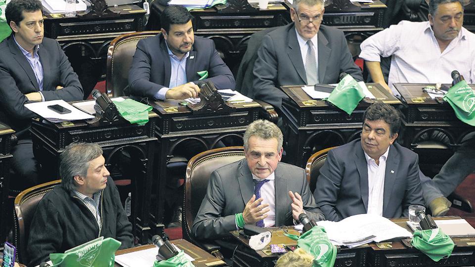 """La oposición quiere discutir las exigencias del FMI en el Congreso """"Todavía nadie vio el acuerdo"""""""