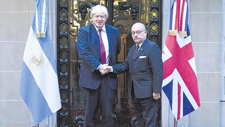 """El canciller Jorge Faurie consideró """"un paso positivo"""" en la relación la decisión del gobierno británico."""