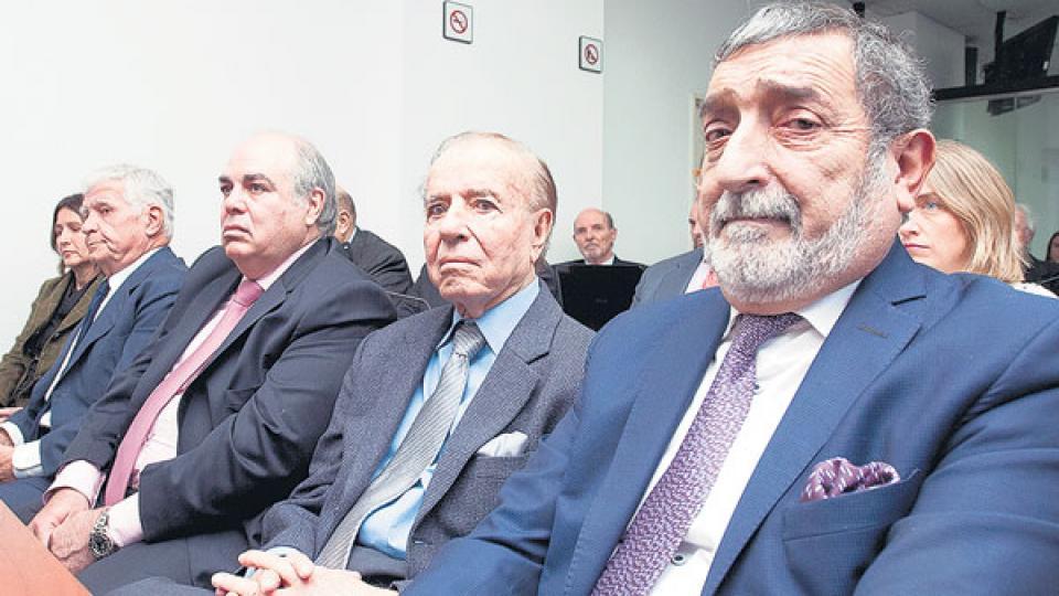 El ex presidente Menem, al igual que el ex ministro Cavallo, está acusado de peculado.