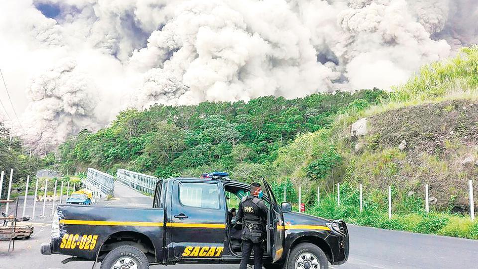 La impresionante erupción del Volcán de Fuego.