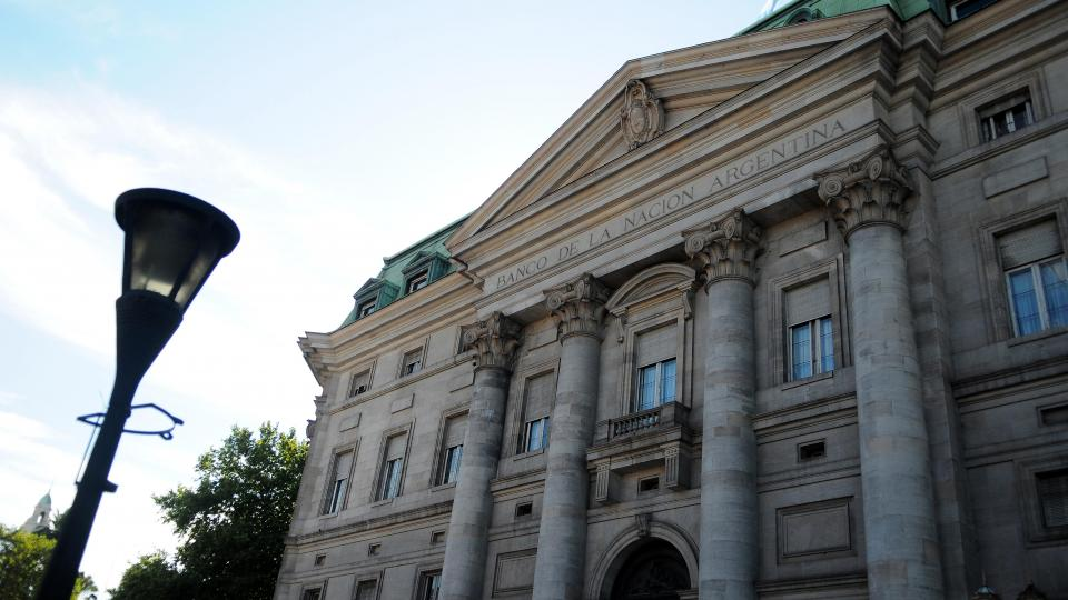 El Banco Nación ofrece 28,25 por ciento anual para los plazos fijos, el mejor rendimiento del sistema.