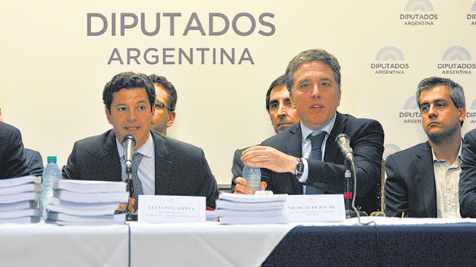 El ministro Nicolás Dujovne envió al Congreso las proyecciones de crecimiento del 2 por ciento del PIB en 2019.