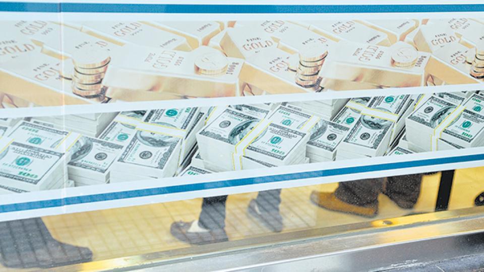 La fuga hacia el dólar es la contracara de la liquidación masiva de activos en pesos, de bonos de la deuda argentina y de acciones.