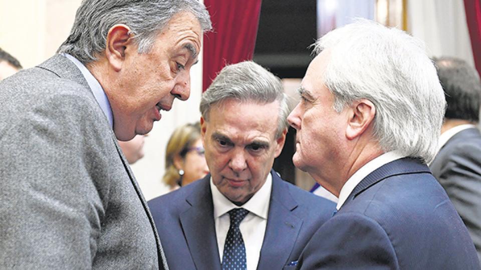 Miguel Pichetto acordó con el interbloque Argentina Federal y Cambiemos la sanción de la ley corta de telecomunicaciones.