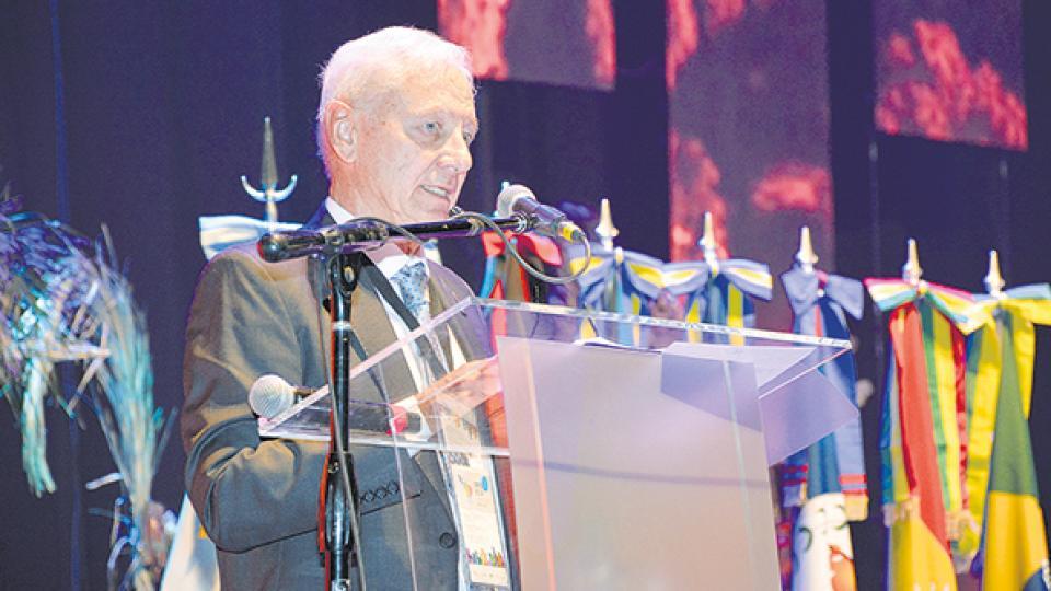El presidente del CIN, Hugo Juri, firmó las notas junto al vice del cuerpo, Jaime Perczyk.