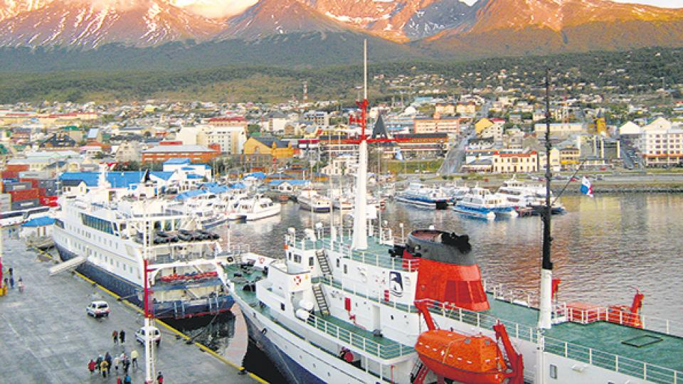 L. trabajó más de seis años en la estiba en el puerto de Ushuaia antes de que la echaran tras cambiar de género.
