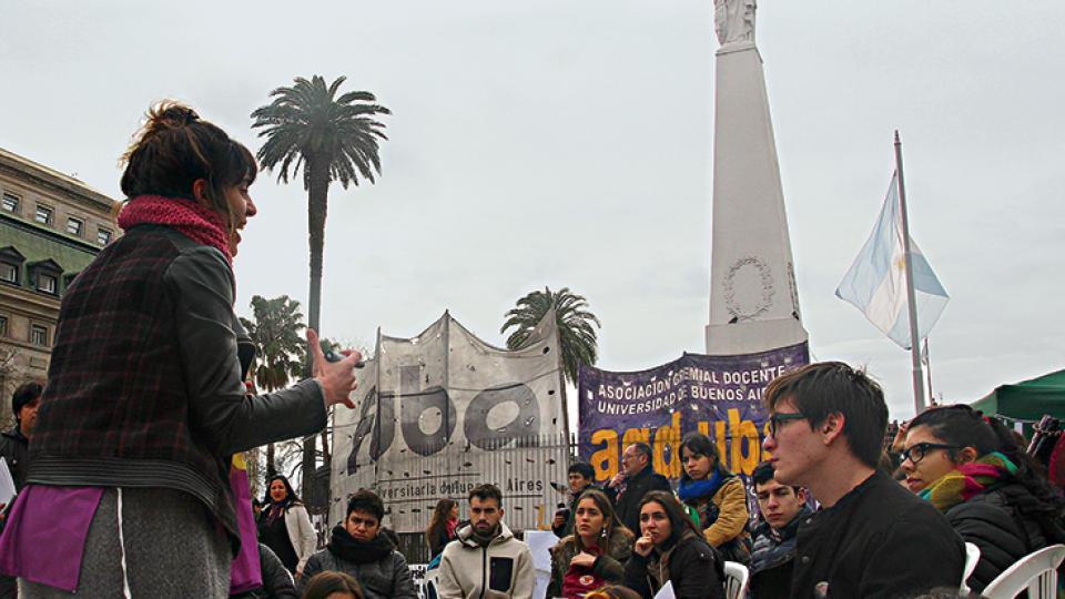 Durante la actividad, convocada por el gremio ADG-UBA y la FUBA, se realizaron más de cien clases públicas.