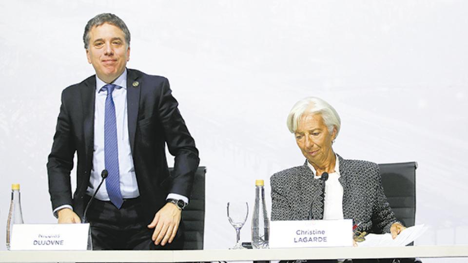 Nicolás Dujovne y Christine Lagarde. La pregunta es qué pasará cuando se acaben los recursos prestados.
