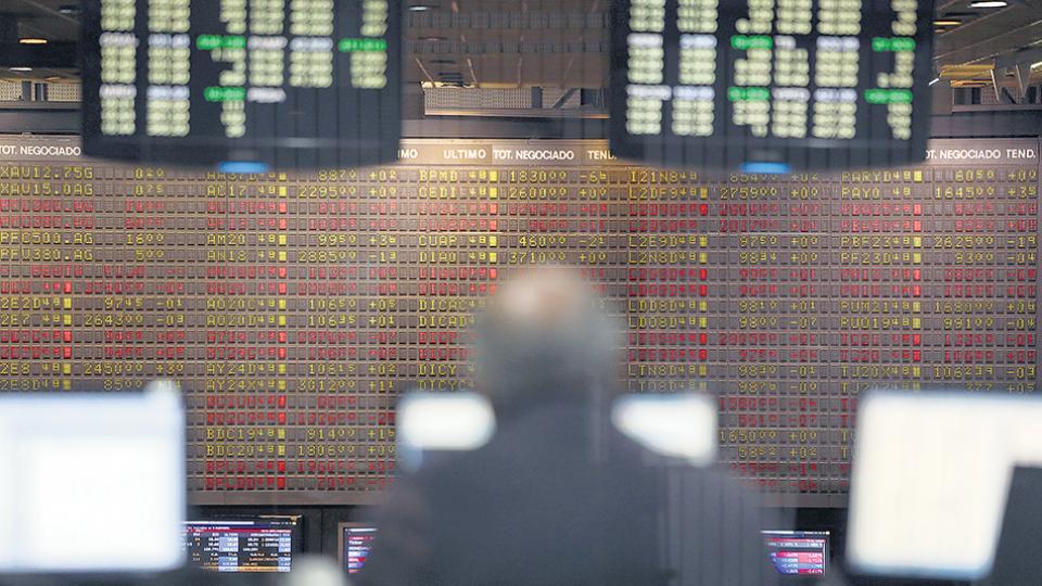 Los bonos y las acciones se derrumbaron a fines de la semana pasada.