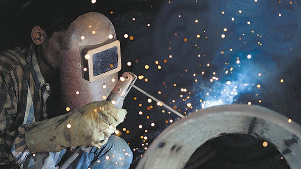 La industria metalmecánica cayó en junio un 10,9 por ciento y recortó su mejora en el semestre a 0,8 por ciento.