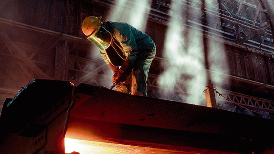Son mayoría los rubros fabriles que expulsan trabajadores al ritmo de la crisis económica.