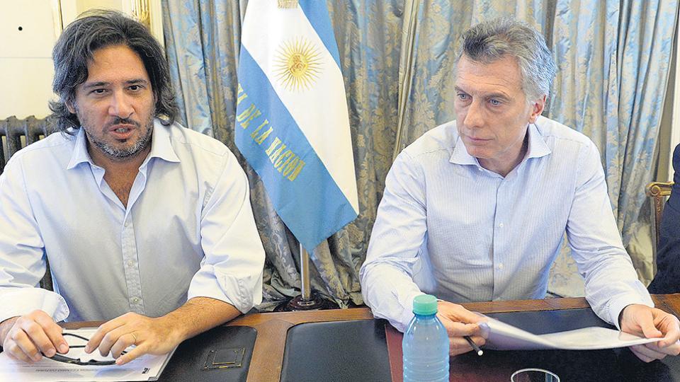 El presidente Mauricio Macri junto al ministro de Justicia, Germán Garavano.