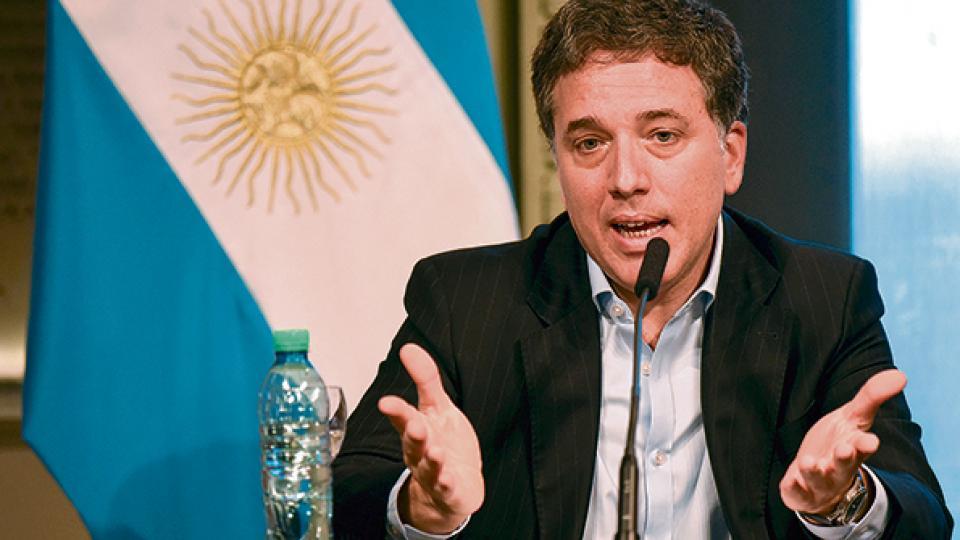 El ministro de Hacienda, Nicolás Dujovne, designado para salir a reafirmar el mensaje de Mauricio Macri.
