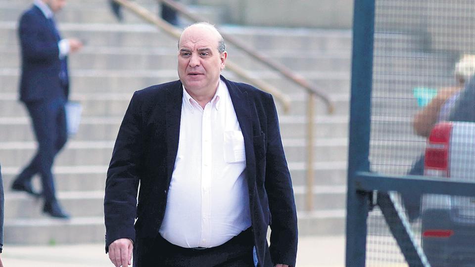El auditor y operador judicial Javier Fernández negó todos los cargos y lo dejaron ir.
