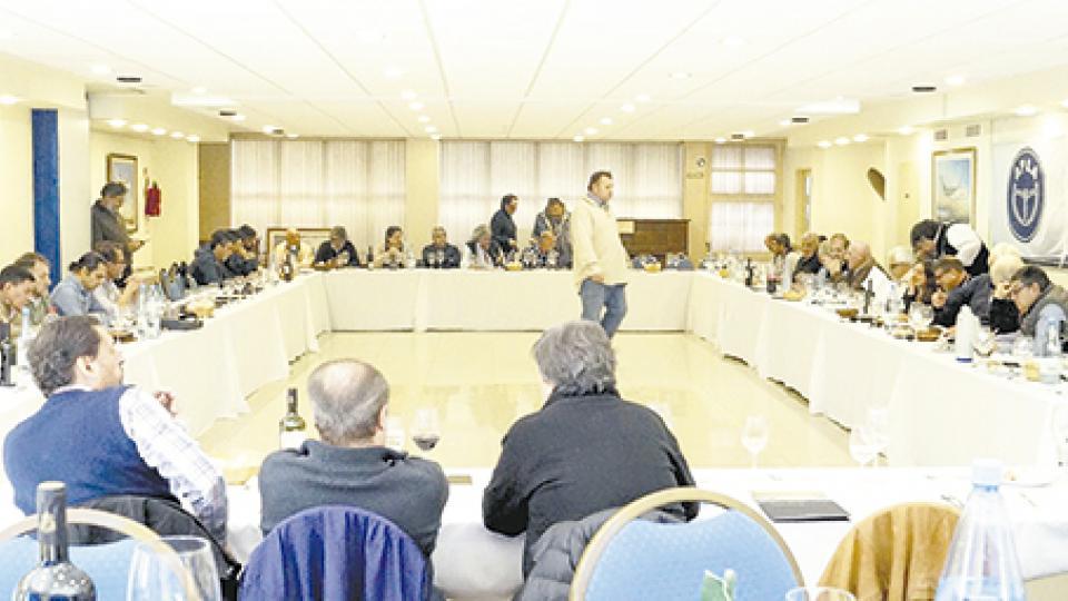 Los dirigentes Ricardo Cirielli, Omar Pérez, Omar Plaini, Pablo Biró y Francisco Cafiero participaron de la reunión.
