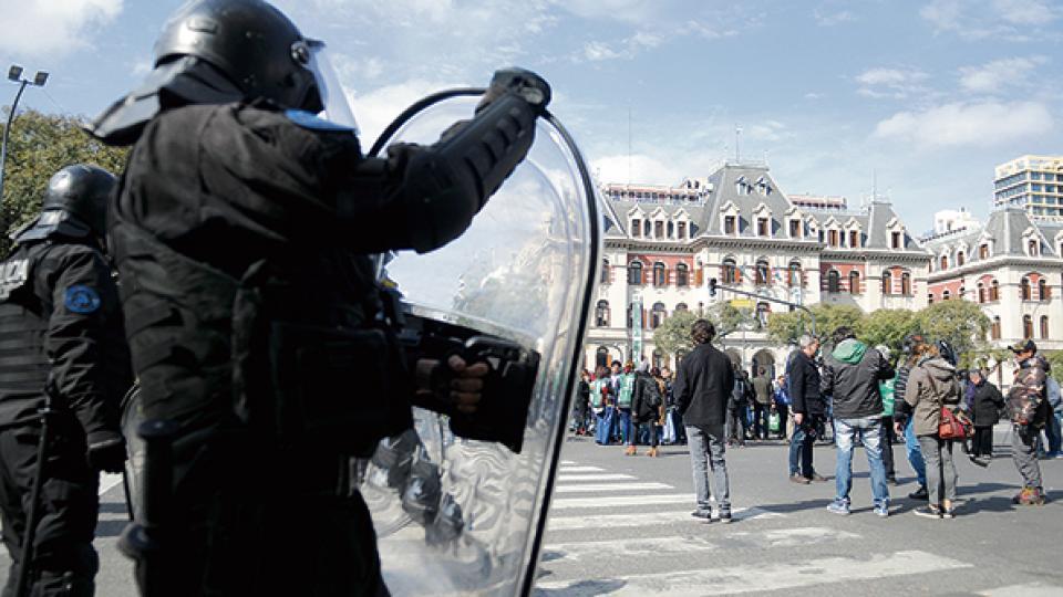 La Policía Federal reprimió a los trabajadores del Ministerio de Agroindustria.