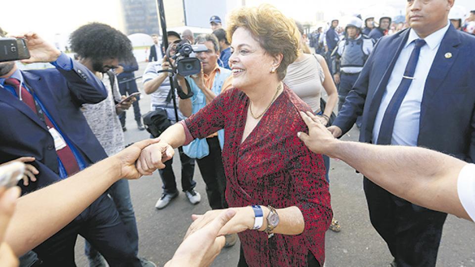 Dilma Rousseff lidera las intenciones de voto para conseguir una banca en el Senado brasileño.