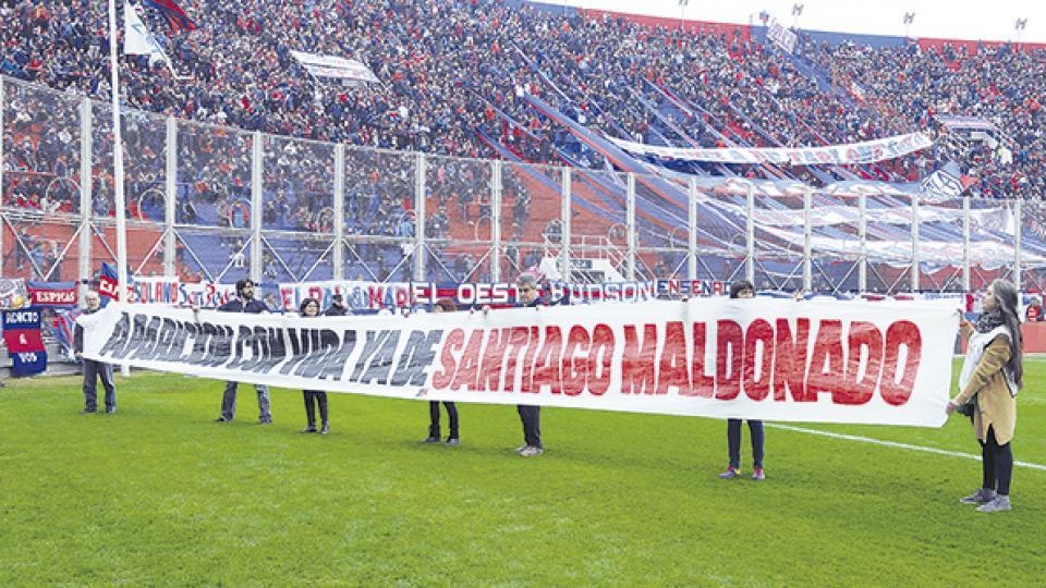 San Lorenzo le brindó un homenaje especial a Santiago Maldonado.
