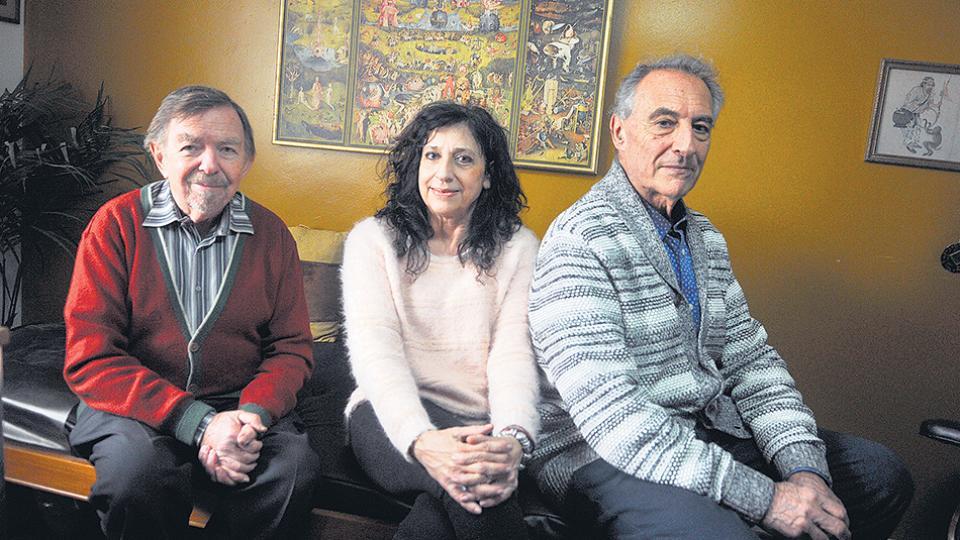 El psiquiatra y psicoanalista Néstor Carlisky, la psicóloga Nilda Rodríguez Rafaelli y el médico Juan José Falcone.