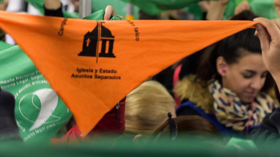El trámite para abandonar la Iglesia | Rosario se suma al movimiento de apostasía reactivado por el debate del aborto