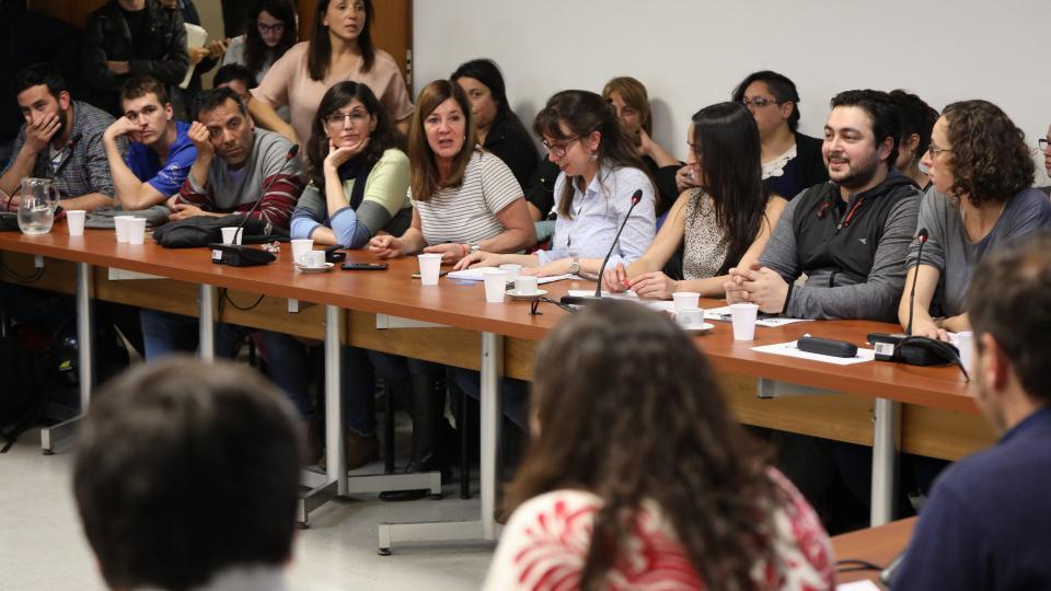 Deudores y especialistas expusieron los casos en una reunión en la Cámara de Diputados.
