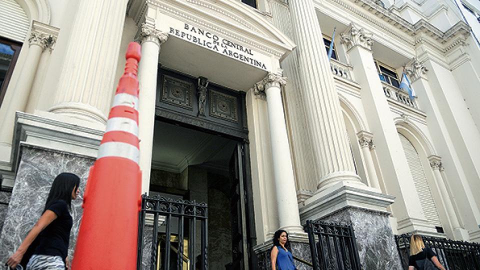 El Banco Central anunció el plan monetario, cambiario y financiero acordado con el FMI.