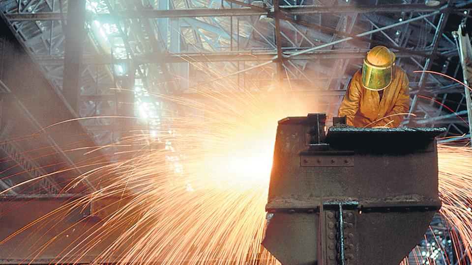 El desagregado sectorial del segundo trimestre muestra una caída de la industria manufacturera del 1,8 por ciento.