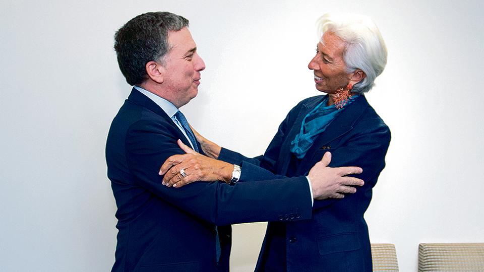 Nicolás Dujovne fue recibido por Christine Lagarde. Luis Caputo, quien también iba a participar, finalmente se quedó en Buenos Aires.