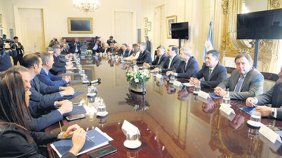 El presidente Mauricio Macri se reunió en la Casa Rosada con 19 de los 24 gobernadores.