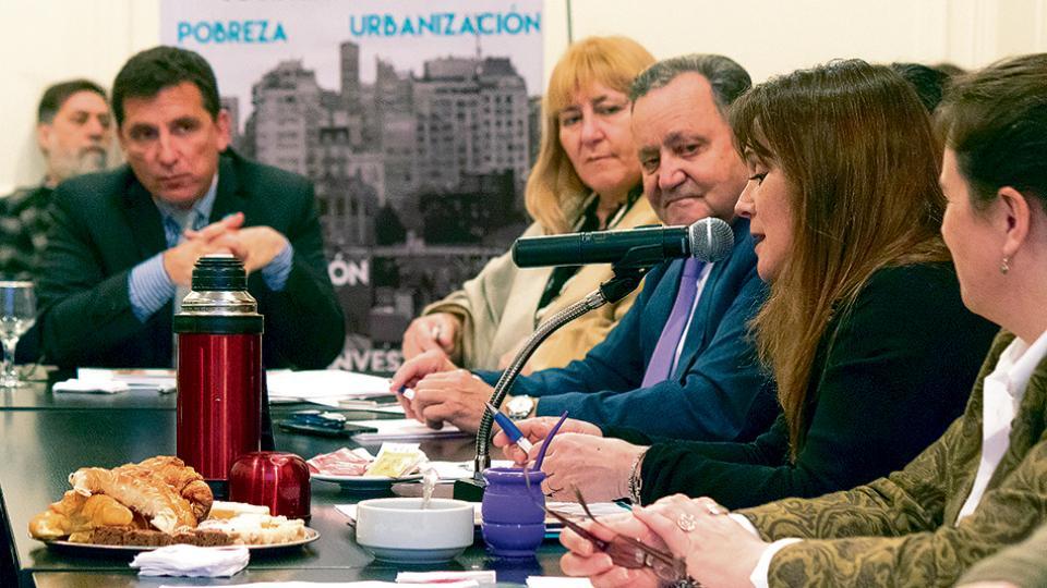 Los ministros de Desarrollo Social de Tucumán, La Rioja, San Juan, Salta, Santa Cruz y La Pampa.