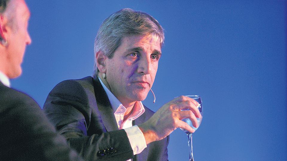 Luis Caputo, titular del Banco Central. Situación económica mala, política monetaria que la empeora.