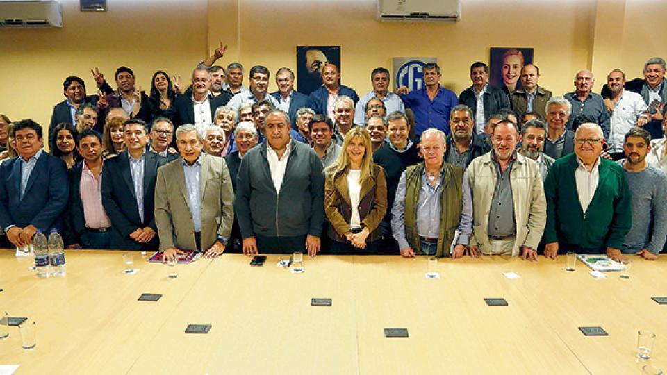 El Consejo Directivo de la CGT recibió a una delegación de intendentes de la FAM.