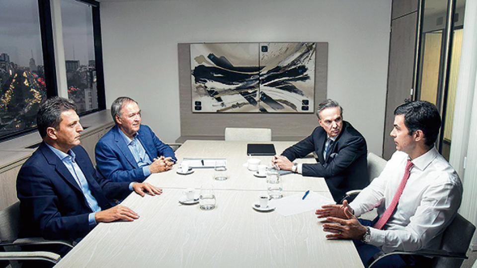 Sergio Massa, Juan Schiaretti, Miguel Angel Pichetto y Juan Manuel Urtubey en el encuentro de ayer.