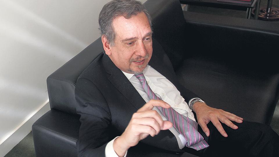 """Lino Barañao es acusado como """"encubridor"""" de la política de ajuste del gobierno de Cambiemos."""