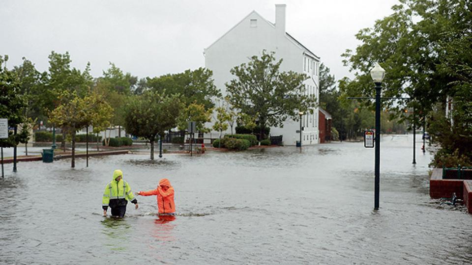 El impresionante huracán puede provocar gravísimas inundaciones.