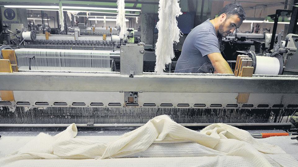 Los precios de textiles, productos químicos, aparatos eléctricos y autos subieron en el orden del 20 por ciento.
