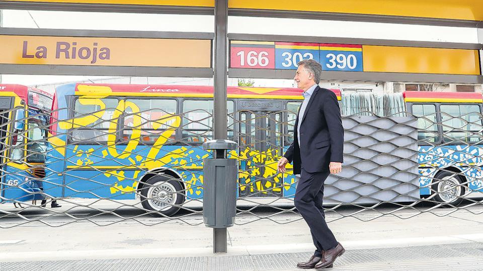 El presidente Mauricio Macri defendió la nueva suba del gas durante la inauguración del metrobus del Oeste.