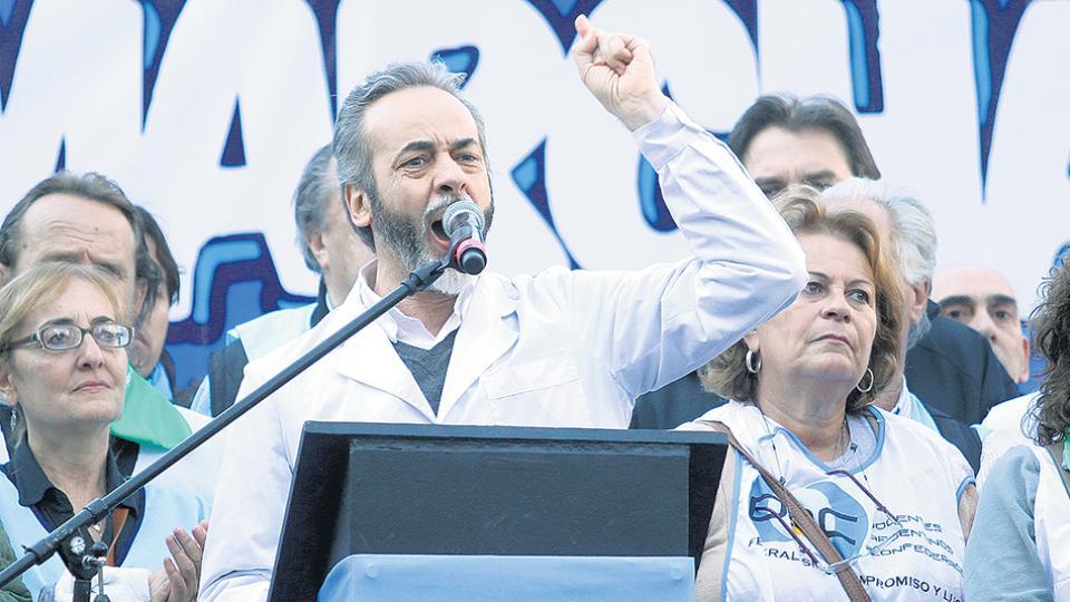 Eduardo López, titular de UTE, rechazó el incremento salarial que ofreció el gobierno porteño.