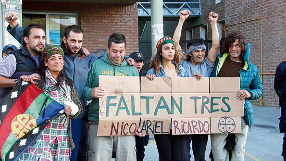 G. Seguí, Huenelaf, P. Seguí, Buchile, González, Huenchupan y Jaime al ser liberados el 12 de enero de 2017.